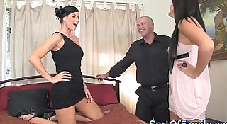 Stepmom babe pussyfucked in taboo threesome