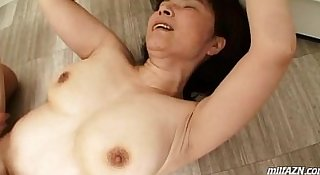 Mature Woman Getting Her Hairy Pussy Fucked Cum To Body On The Floor In The Bath
